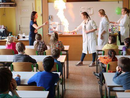 Zábavná chemie na ZŠ Úpice-Lány